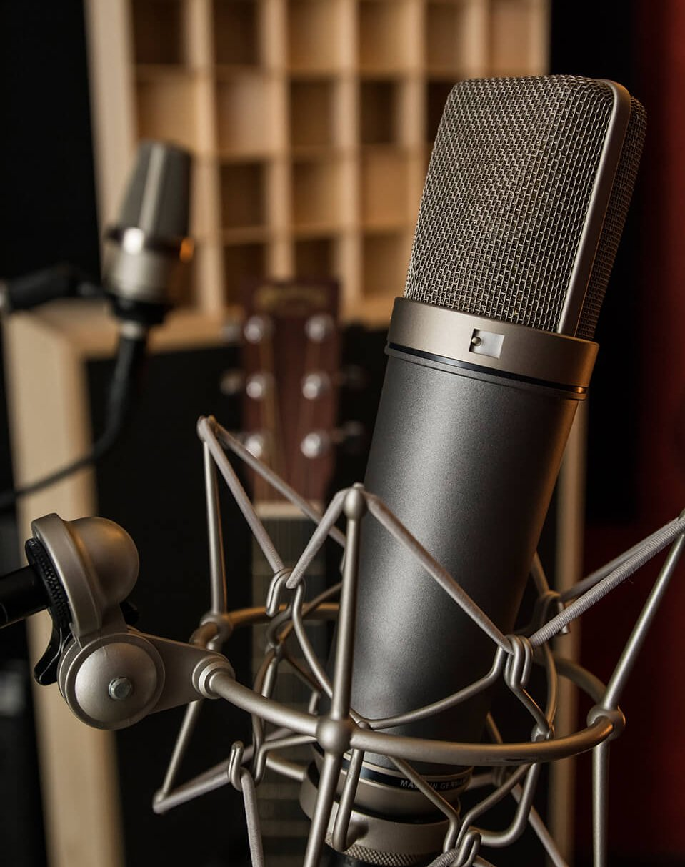 Neumann TLM67 with a guitar recording at Soundation Studio
